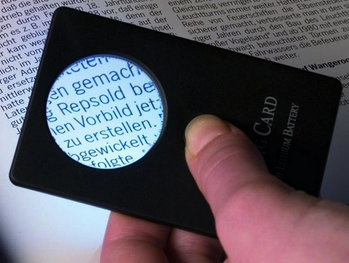 Credit Card sized LED Magnifier, 3 x magnification
